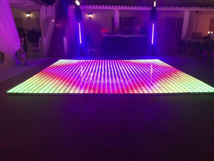 Sistema de luz e pisa de leds