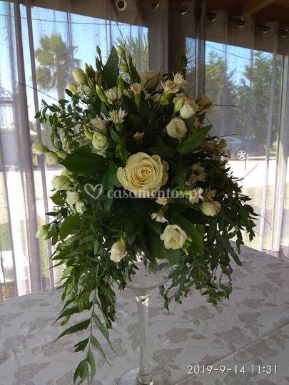 Arranjo floral alto mesas
