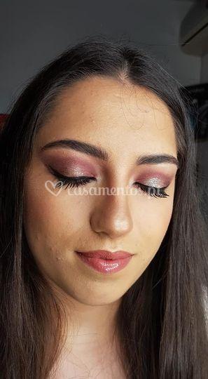 Ana makeup
