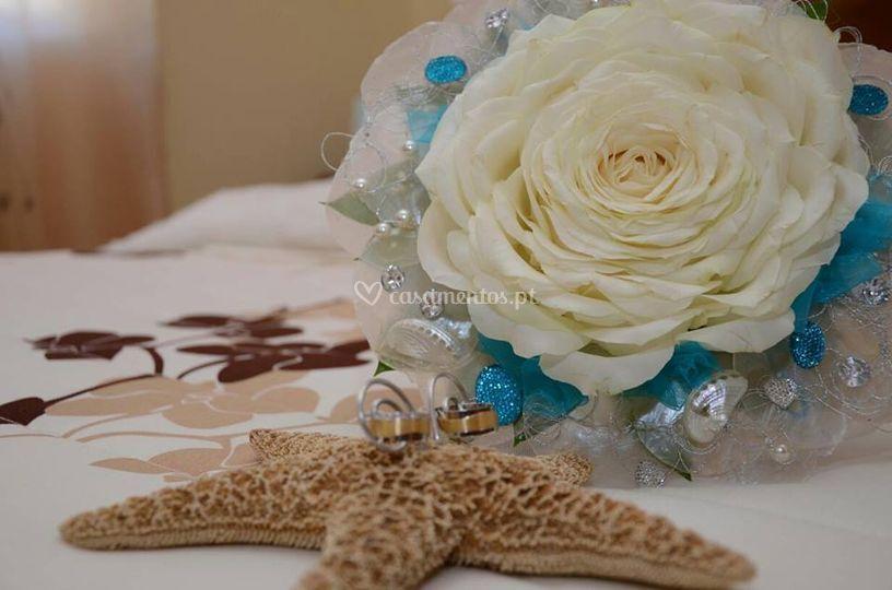 Porta alianças /ramo de noiva