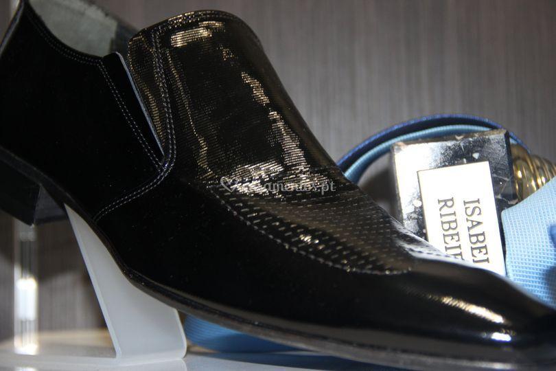 Sapatos / verniz de Isabel Ribeiro