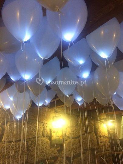 Largadas de balões com led