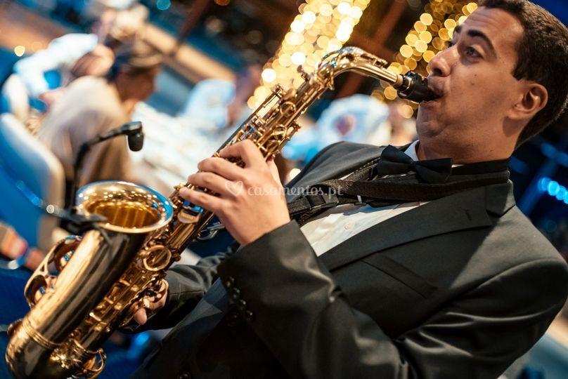 Saxofone durante o jantar