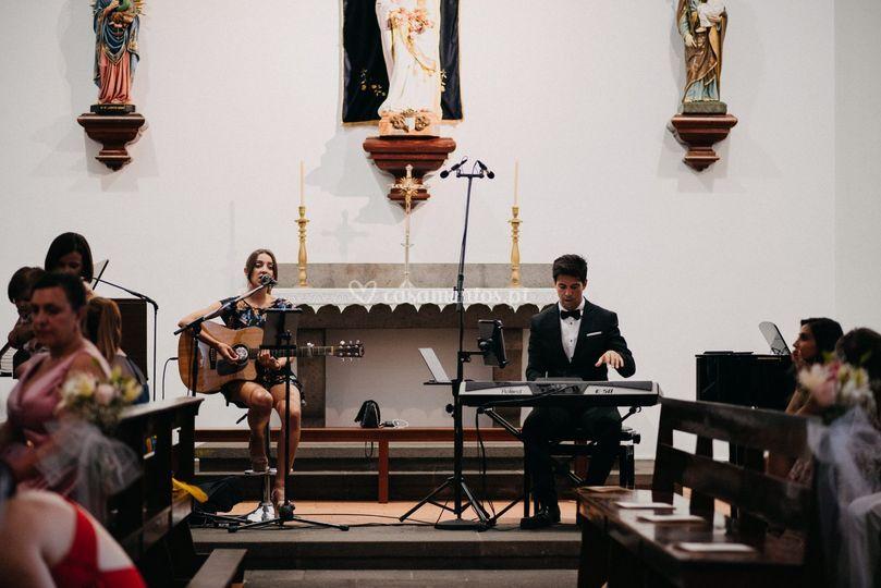 Cerimónia cantada ao vivo