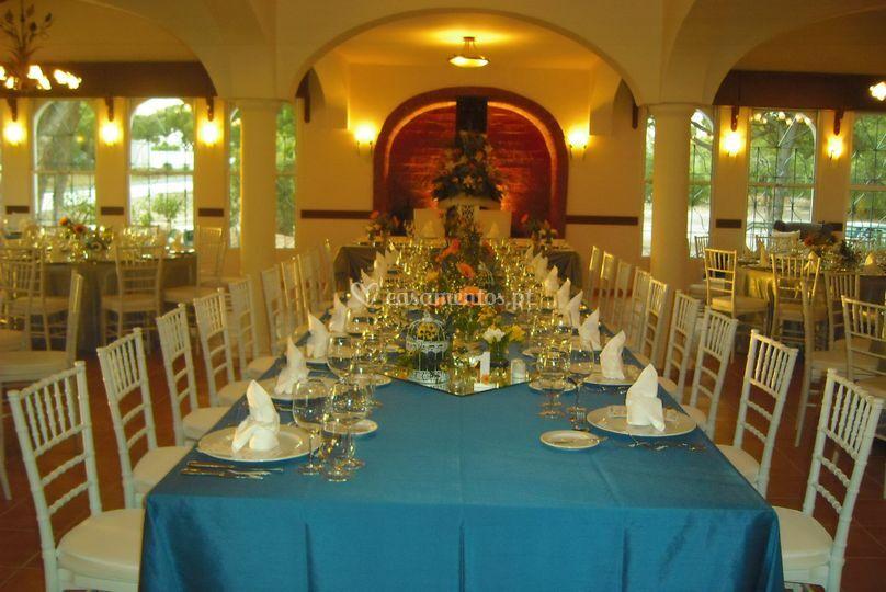 Mesa dos noivos e familiares