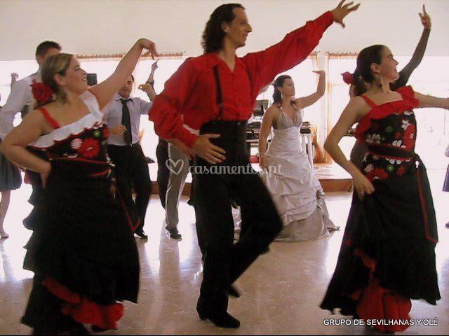 Grupo Sevilhanas Y'Olé