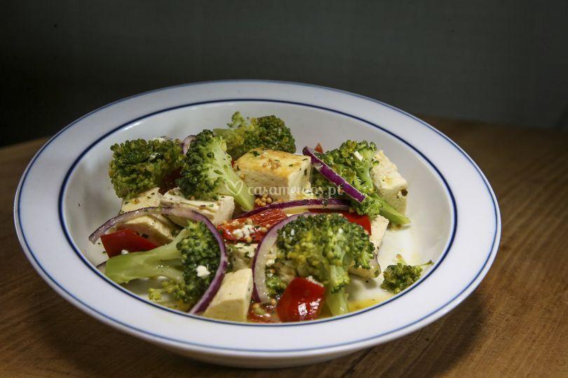 Brócolos ao molho mostarda e t