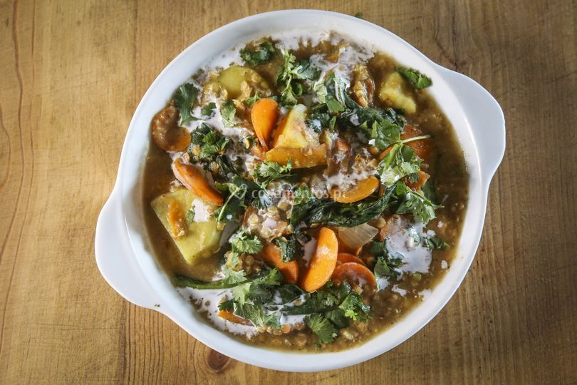 Caril de lentilhas e couve