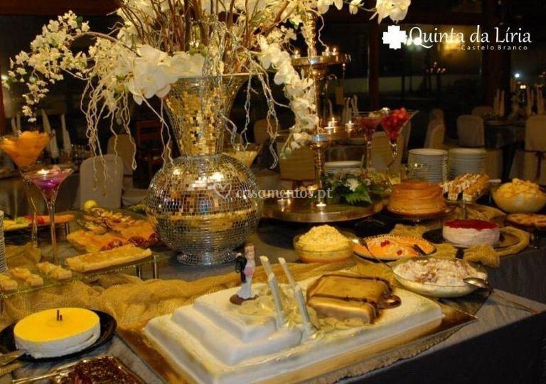 Buffet de doces e frutas
