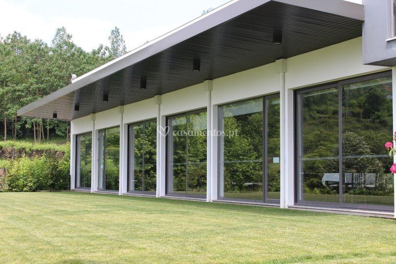 Salão com vista natural