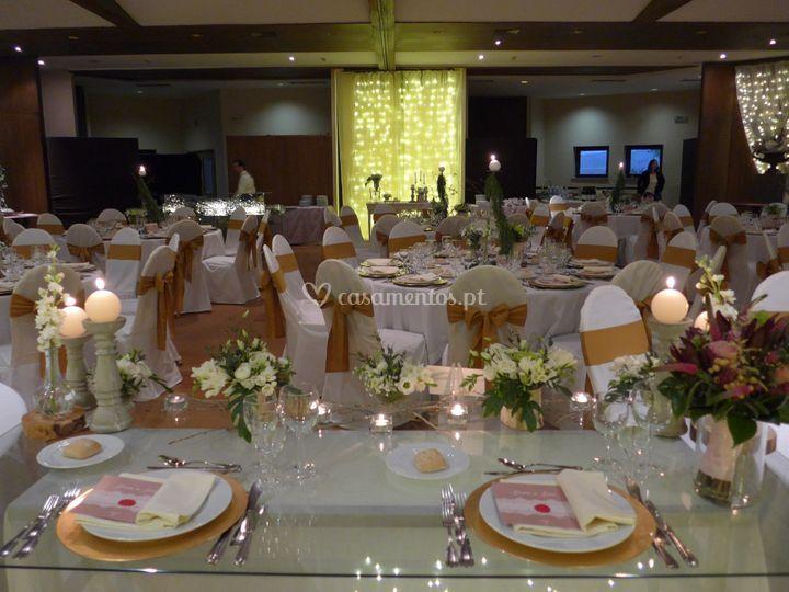 Vista da mesa dos noivos