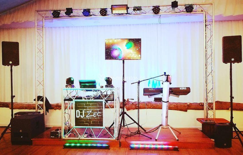 DJ e música ao vivo