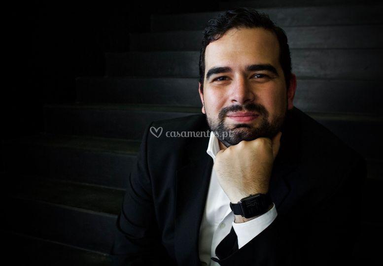 Ricardo G. Mendes, barítono