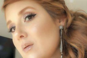 Rebeca Mauro Makeup
