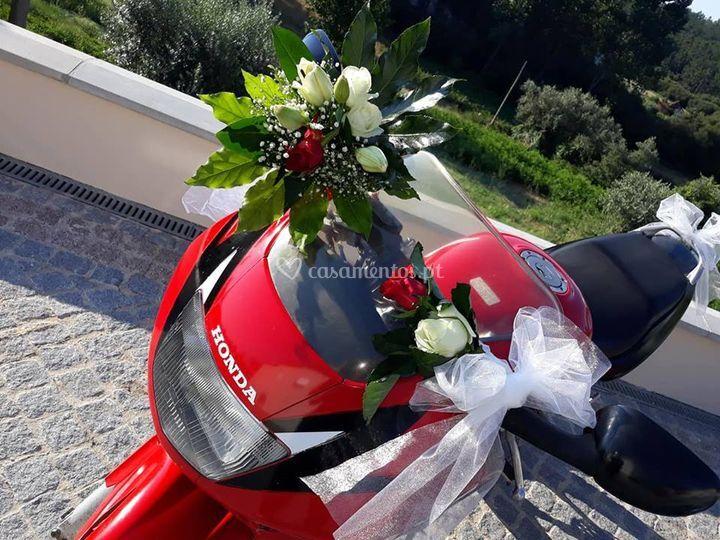 Decoração de mota de noivo