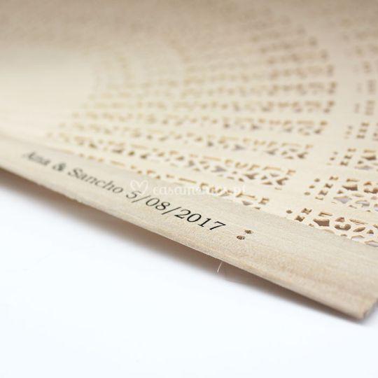 Leque de madeira personalizado