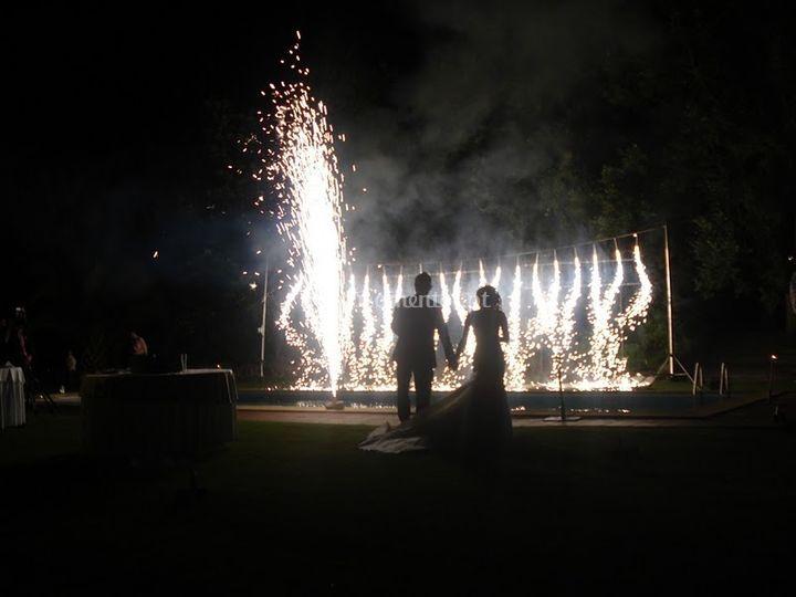 Fogo para os noivos