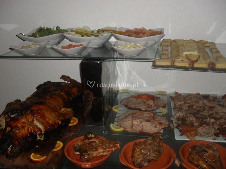 Mesa de carnes frias