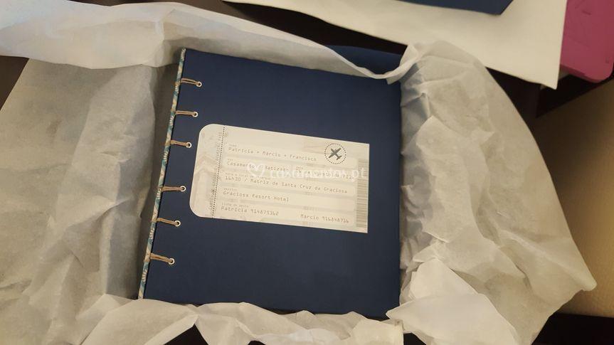 Livro de assinaturas - viagens
