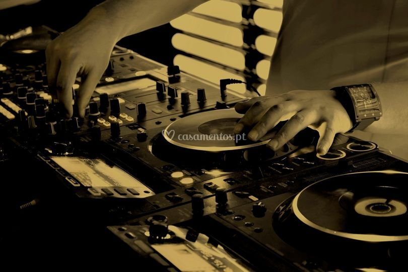 DJ Deluxe Eventos