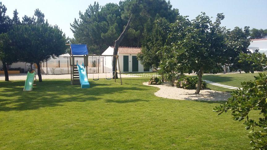 Espaço jardim e parque infanti