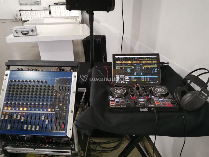 DJ - Disco Jokey