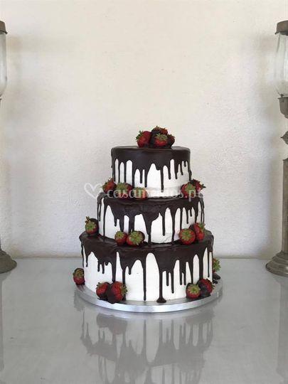 Drip chocolate wedding cake