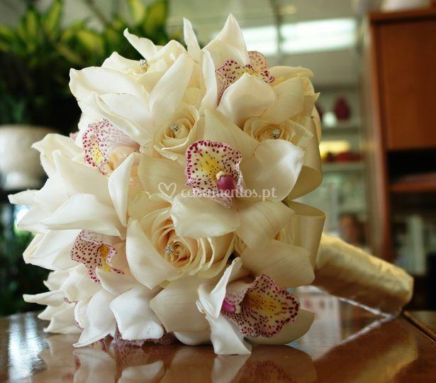 Bouquet Rosas e Orquideas