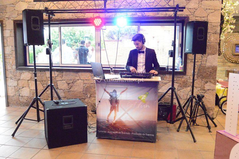 Serviço de DJ