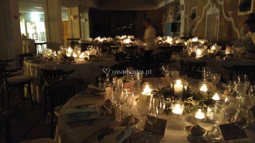 Salão à luz de velas