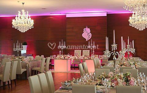 Pormenor mesa de noivos e sala
