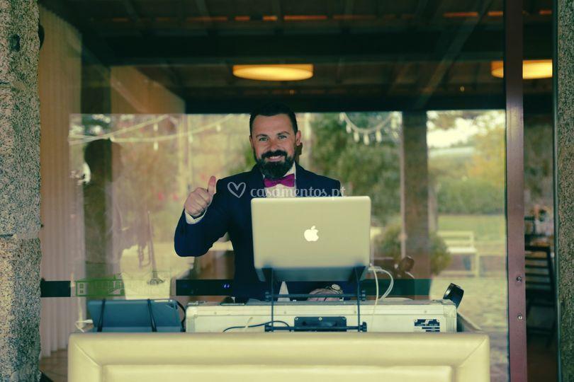DJ Joel Frias