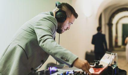 Tójó DJ