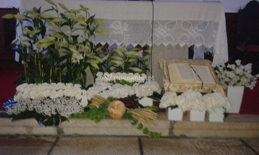 Exem: baixo de altar casamento