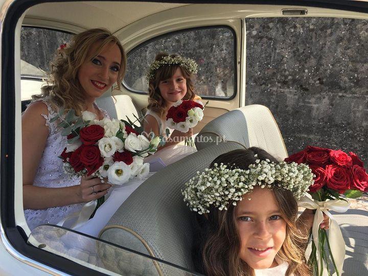 Transporte da noiva com menina