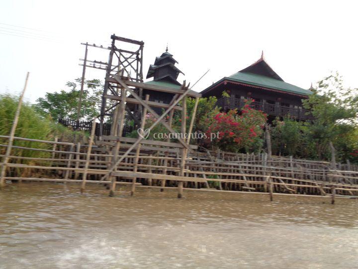 Birmânia - aldeia flutuante