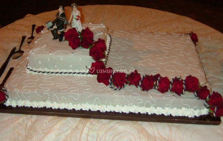 Bolo noivos(confecção própria)