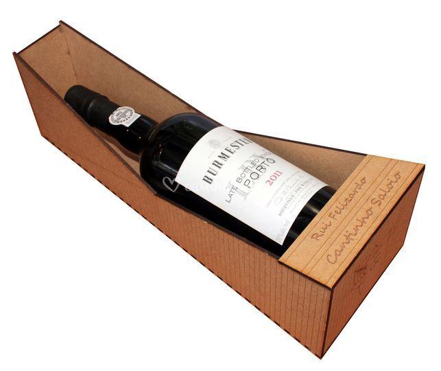 Caixas do vinho grandes e pequ