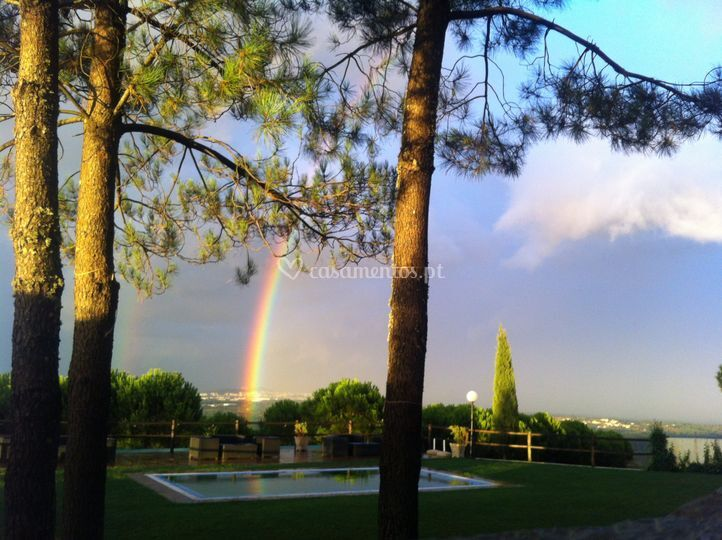 Sunset com arco íris
