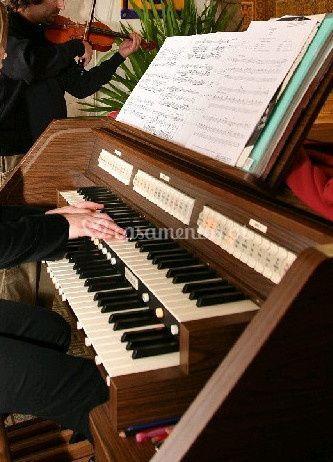 Música para a cerimónia - MusiCasamentos