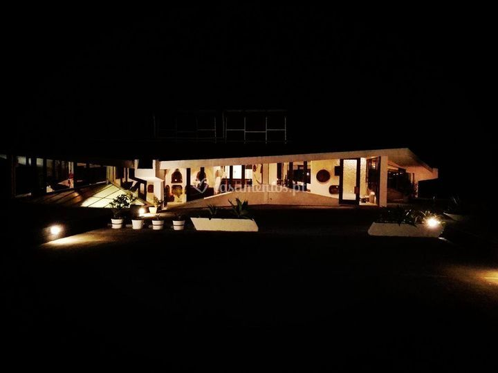 Exterior à noite
