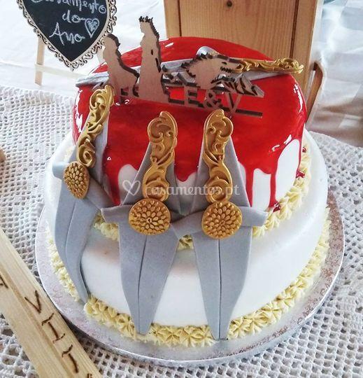 Topo de bolo em madeira