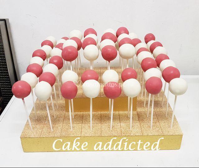 Bolo em formato cake pops
