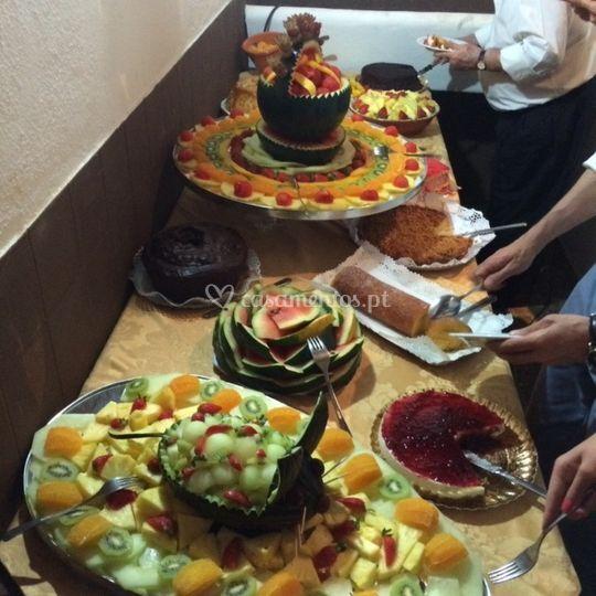 Fruta e doces
