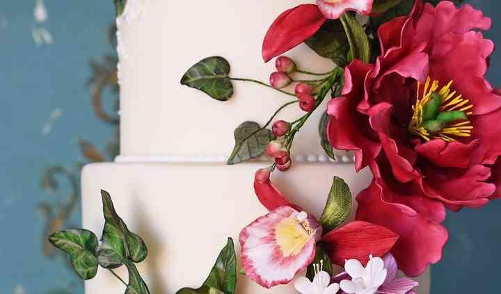 Detalhe bolo peónias e orquíde
