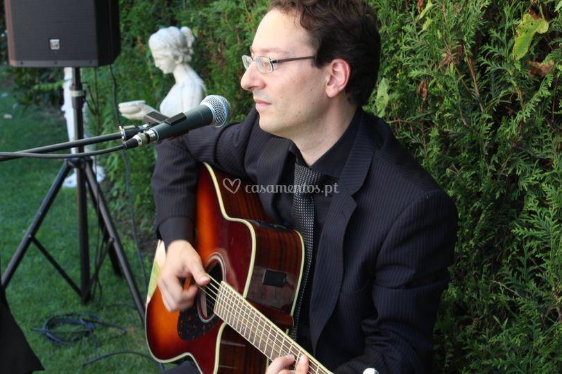 Ricardo Maia na guitarra