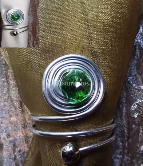Argola diamante verde