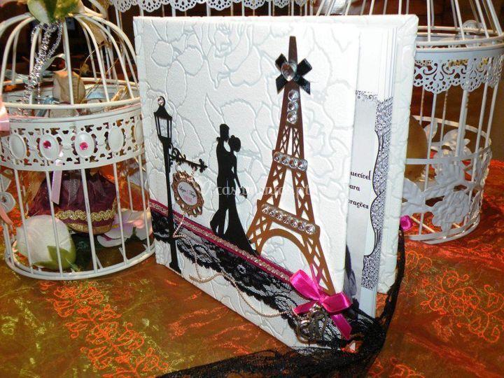 Livro honra Paris