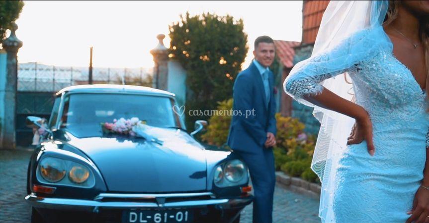 Oferta de champanhe aos noivos