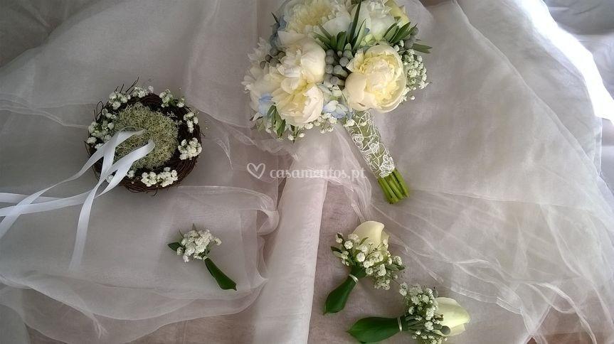 Bouquet pioneas e hidrangeas